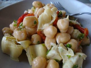 Chickpea salad w/ roasted red peppers, artichoke hearts & capers