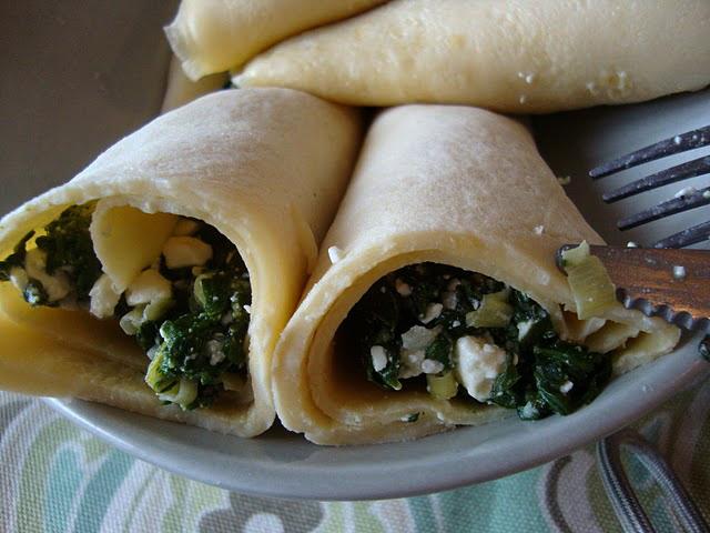 Spanikopita-filled crêpes