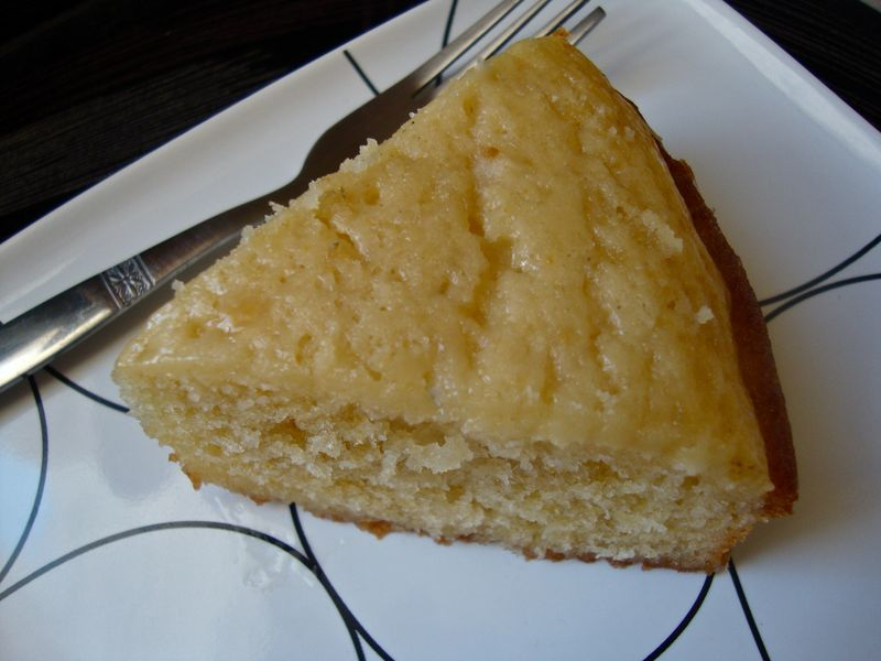 Glazed orange yogurt cake