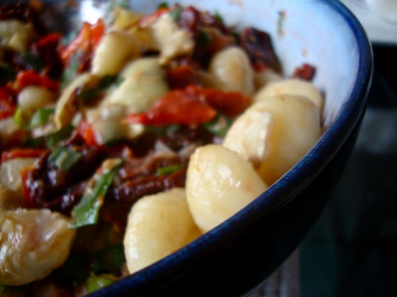 Gnocchi salad with tomato vinaigrette