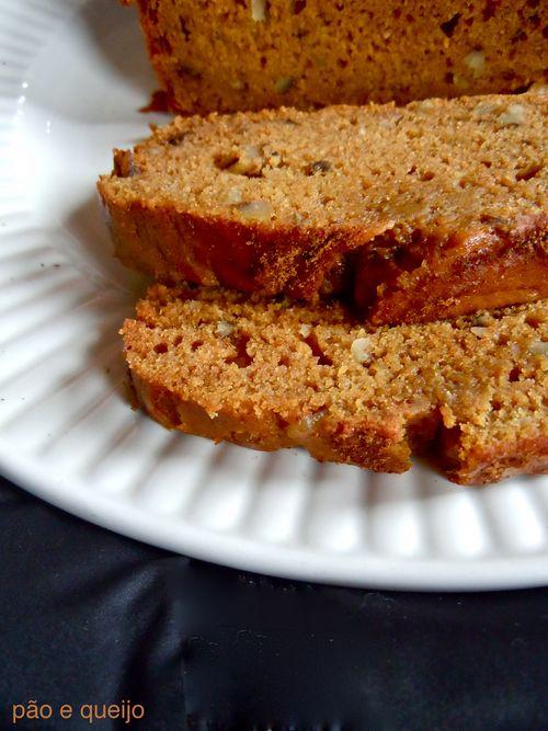 Spiced one-bowl pumpkin bread